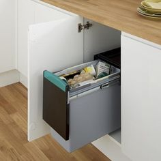 Pull-Out Recycling Bin