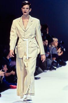 Comme des Garçons Spring 1995 Ready-to-Wear Collection Photos - Vogue
