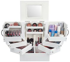 Super cute make-up box for your beauty essentials!