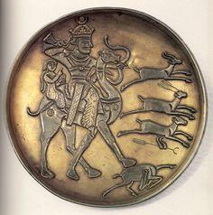 Блюдо серебряное с изображением Байрама Гура и Азадэ. Конец VI - первая половина VII в. Государственный Эрмитаж