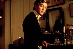 Jude Law as Lord Alfred Douglas/ Bosie in Wilde Gay Aesthetic, Artist Aesthetic, Hey Jude, Jude Law, Oscar Wilde, Oscars, Video Film, Movies And Tv Shows, Gentleman