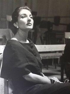 Maria Callas, the Greek Beauty.                                                                                                                                                     Más