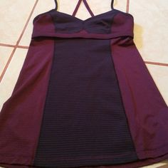 Lululemon top in size small. This top is in EUC. It has no pads, rip tag, nor size dot. The top fits like a sports bra and bottom has breathable material. lululemon athletica Tops