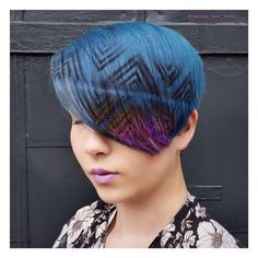 Hair stenciling is exactly what it sounds like; Here are 20 hair stenciling ideas you'll love! Hair Color 2018, Latest Hair Color, Hair 2018, Hair Stenciling, Hair Stations, Fall Hair Colors, Heart Hair, Floral Hair, Mermaid Hair