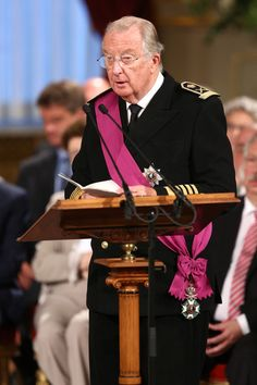 King Albert II of Belgium speaks during the abdication ceremony inside the Royal Palace on 21 July 2013 in Brussels, Belgium