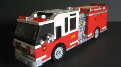 A lego fire engine that looks like a fire engine. Lego City Sets, Lego Sets, Lego Fire, Lego Truck, Lego City Police, All Lego, Matchbox Cars, Fire Apparatus, Lego Projects