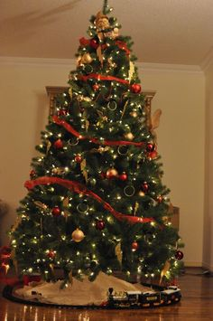harry potter themed christmas tree harry potter christmas tree hogwarts christmas harry potter ornaments