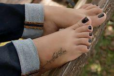 "freakyebonyfeettoes: ""Suckable toes 👅👅👅 """