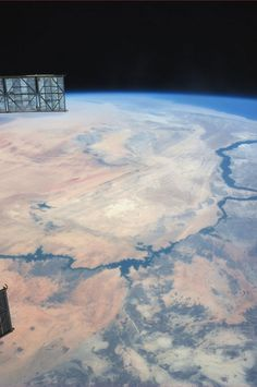 The 9 Coolest Space Photos From Astronaut Karen Nyberg | Popular Science