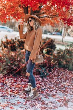 My formula for the ultimate fall look (Cella Jane) About Me Questions, This Or That Questions, Cella Jane, Fall Looks, Fall Outfits, Hipster, Workout, Clothes, Goal