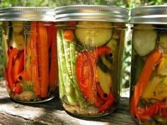 pints) I intended to pickle a few cucumbers, but when I got to the farmers' market last week, I decided mixed vegetables would be nic. Dairy Free Recipes, Real Food Recipes, Vegan Recipes, Gluten Free, Homemade Pickles, Pickles Recipe, Refrigerator Pickle Recipes, How To Make Pickles, Best Pickles