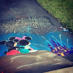 Disneyland and Walt Disney World street art Disney Kunst, Arte Disney, Chalk Drawings, Art Drawings, Walt Disney Co, Disney Parks, Disney Travel, Disney Magic, Chalk Design