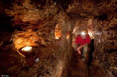 ARCHAEOLOGISTS FIND UNDERGROUND MEDIEVAL REFUGE (France)