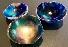 Easy step-by-step tutorial on how to make resin bowls. Includes pictures and links to products used. Great way to use leftover resin! Epoxy Resin Art, Diy Resin Art, Diy Resin Crafts, Wood Resin, Diy Schmuck, Schmuck Design, Henna Designs, Metallic Epoxy Floor, How To Make Resin