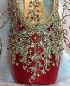1+Pair+of++red+and+gold+custom+designed+pointe+shoes