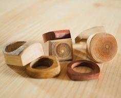 """5 To se mi líbí, 3 komentářů – WowoDesign (@wowodesigncz) na Instagramu: """"Tvořivá neděle #wowodesigncz #wowodesign #woodenring #woodenjewelry #naturaljewelry…"""""""