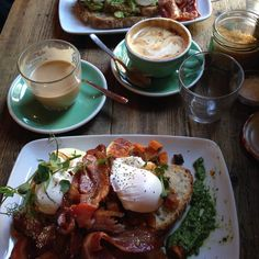 It's nearly the weekend which means two days of fabulous brunches (it is #nationalbreakfastweek after all!). We're certainly craving this from @brickwoodldn  Let us know where you end up going this weekend and we'll regram