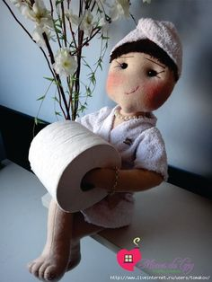 Dolls-holders of toilet paper. Discussion on LiveInternet - The Russian Online Diaries Service Diy Doll Toilet, Ever After Dolls, Toilet Paper Roll Holder, Sewing Crafts, Diy Crafts, Doll Eyes, Sewing Dolls, Doll Clothes, Free Pattern