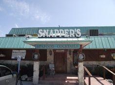 SNAPPER'S WATERFRONT RESTAURANT Key Largo Florida, Florida Keys, Waterfront Restaurant, Restaurant Bar, Key Largo Restaurants, Great Vacation Spots, Vacation Ideas, Seafood Cocktail