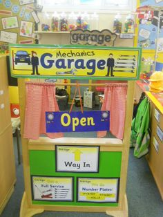 Ideas toys topic display role play for 2019 Dramatic Play Area, Dramatic Play Centers, People Who Help Us, Play Corner, Mechanic Garage, Mechanic Shop, Transportation Theme, Trains, Classroom Displays