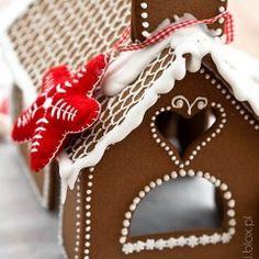 Ciasto arbuz | Moje Wypieki Gingerbread, Christmas Ornaments, Holiday Decor, Desserts, Food, Xmas Ornaments, Meal, Christmas Jewelry, Deserts