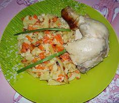 Кушать подано! Рецепты вкусных блюд из простых продуктов.: Целая курица в духовке, с гарниром из картофеля и моркови