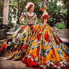I've been dressmaking since I was 12, but I can always find something wonderful to inspire me! Dolce & Gabbana Alta Moda AW2016 in Portofino #dolcegabbana #dg #dgdress #dolcegabbanadress #dolcegabbanaaltamoda #dgfw16 #dg2016 #dolce #partydress #dggown #dolcegabbana2016 #ballgown #portofino  @stefanogabbana @dolcegabbana