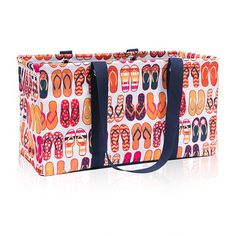 Thirty-One Gifts – Get to know FUN FLOPS! #ThirtyOneGifts #ThirtyOne #Monogramming #Organization #May2017Special #LargeUtilityTote #StandTallInsert