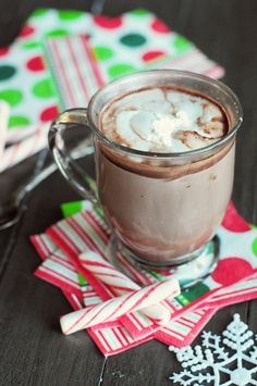 Kahlua Peppermint Mocha Hot Chocolate ~ Garnish with peppermint stick and marshmallows or whipped cream. (If you are out of drinking chocolate, simply add one part Kahlua Peppermint Mocha to your favorite hot chocolate or coffee. Christmas Drinks, Holiday Drinks, Fun Drinks, Yummy Drinks, Holiday Recipes, Yummy Food, Beverages, Christmas Fun, Alcoholic Drinks