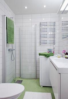 Folding shower doors make it look like a wet room Bathroom Design Small, Bathroom Layout, Simple Bathroom, Bathroom Interior Design, Upstairs Bathrooms, Dream Bathrooms, Mickey Bathroom, Shower Cabin, Eclectic Bathroom