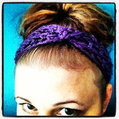 A super fast tutorial for a versatile and stylish headband / hair wrap that is easily customized.