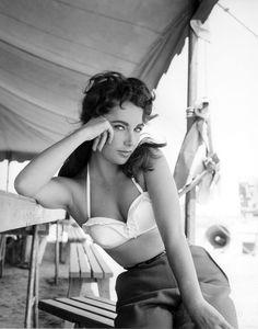 Elizabeth Taylor.  Absolutely love this shot!