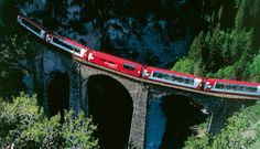 Glacier Express crossing viaduct