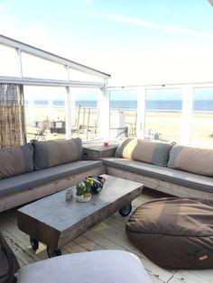 Bekijk deze fantastische advertentie op Airbnb: Wakker worden op het strand - Zomerhuisjes/cottages te Huur in Castricum aan Zee