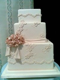 square wedding cake, im lovin the shape, it's different!