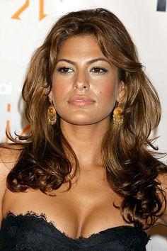 Eva Mendes (Miami , 5 marzo 1974) è un' attrice e modella statunitense di origine cubano-americana