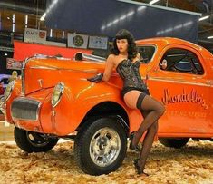 Sexy Cars, Hot Cars, 67 Pontiac Gto, Pin Up Car, Mopar Girl, Rockabilly Cars, Car Girls, Amazing Cars, Awesome