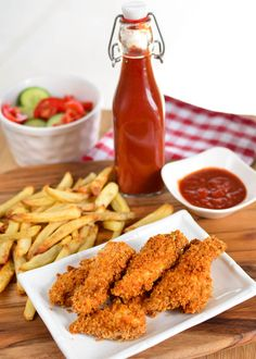 Slimming Eats Chicken Fingers - dairy free, Slimming World and Weight Watchers friendly Slimming World Dinners, Slimming World Recipes Syn Free, Slimming World Diet, Slimming Eats, Baby Food Recipes, Cooking Recipes, Healthy Recipes, Chicken Recipes, Picnic Recipes