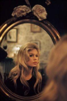 Brigitte Bardot in Paris, 1958: photo Nicolas Tikhomiroff