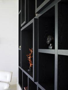 Diepteverschil kastenwand Piet Boon Styling by Karin Meyn | Styled black closet