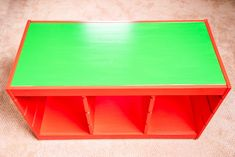 This is the ultimate IKEA Lego table hack! Turn a boring IKEA Trofast drawer unit into a giant Lego brick, with baseplate building surface on top, bins for organizing by color, and casters to wheel it around the playroom. Get the VIDEO and full tutorial at #thehandymansdaughter! #lego #legotable #ikealegotable #ikeahack Ikea Kids Desk, Lego Table Ikea, Lego Table With Storage, Lego Storage, Storage Ideas, Cool Teen Bedrooms, Boy Bedrooms, Indoor Playroom, Lego Minifigure Display