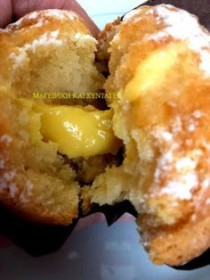 Cupcakes με κρέμα λεμόνι !!!! ~ ΜΑΓΕΙΡΙΚΗ ΚΑΙ ΣΥΝΤΑΓΕΣ 2 Mashed Potatoes, French Toast, Food And Drink, Cupcakes, Cooking, Breakfast, Ethnic Recipes, Whipped Potatoes, Kitchen