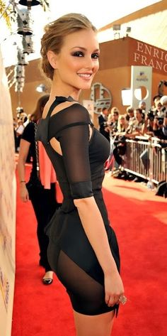 Meet the Gossip girl Leighton Meester ♥ Red Carpet Mode Gossip Girl, Gossip Girls, Sexy Dresses, Beautiful Dresses, Gorgeous Dress, Tight Dresses, Leighton Marissa Meester, Leighton Meester Hair, Beautiful People