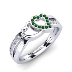 Buy the highest quality Emerald - Engagement Rings at GLAMIRA. ✓Wide range of Emerald - Engagement Rings ☆Customize yourself now. Rose Gold Jewelry, Diamond Jewelry, Gold Jewellery, Green Engagement Rings, Glamira Ring, Jewelry Insurance, Cute Rings, Diamond Rings, Jewelry Stores