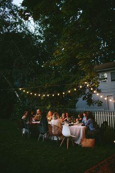 La guirlande guinguette vous aidera à prolonger vos soirées d'été https://www.skylantern.fr/guirlande-lumineuse/guirlandes-guinguette?utm_source=pinterest&utm_medium=social&utm_campaign=092016pins