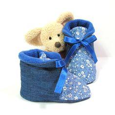 Chaussons bébé en jean et coton fleuri bleu doublés en polaire 3 à 6 mois Tricotmuse : Mode Bébé par tricotmuse