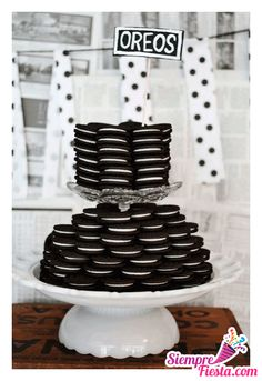 Monochrome Baby Shower - Black And White Party Ideas - Black and white Party - Oreo Panda Birthday Party, Panda Party, Birthday Parties, Birthday Ideas, Soccer Birthday, Birthday Table, Cake Birthday, 5th Birthday, Panda Baby Showers