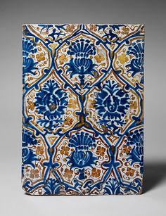 Lusterware Tile, 1450-75. Spain. The Metropolitan Museum of Art, New York. The Cloisters Collection, 2006 (2006.256). #tile #spanishtile #dream home