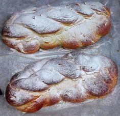 vanocka-upecena Bread, Food, Brot, Essen, Baking, Meals, Breads, Buns, Yemek