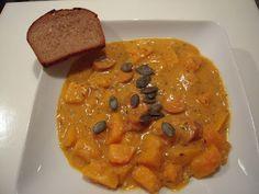 http://himbeerschoko.blogspot.co.at/2012/10/heute-mal-vegan-kurbisgulasch.html